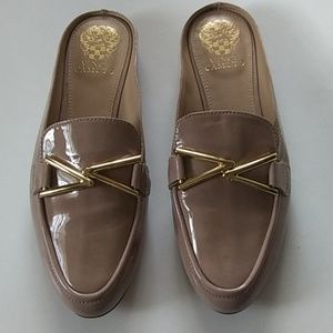 VINCE CAMUTO LEATHER UPPER SLIP ON SLIDES.SIZE.8.5